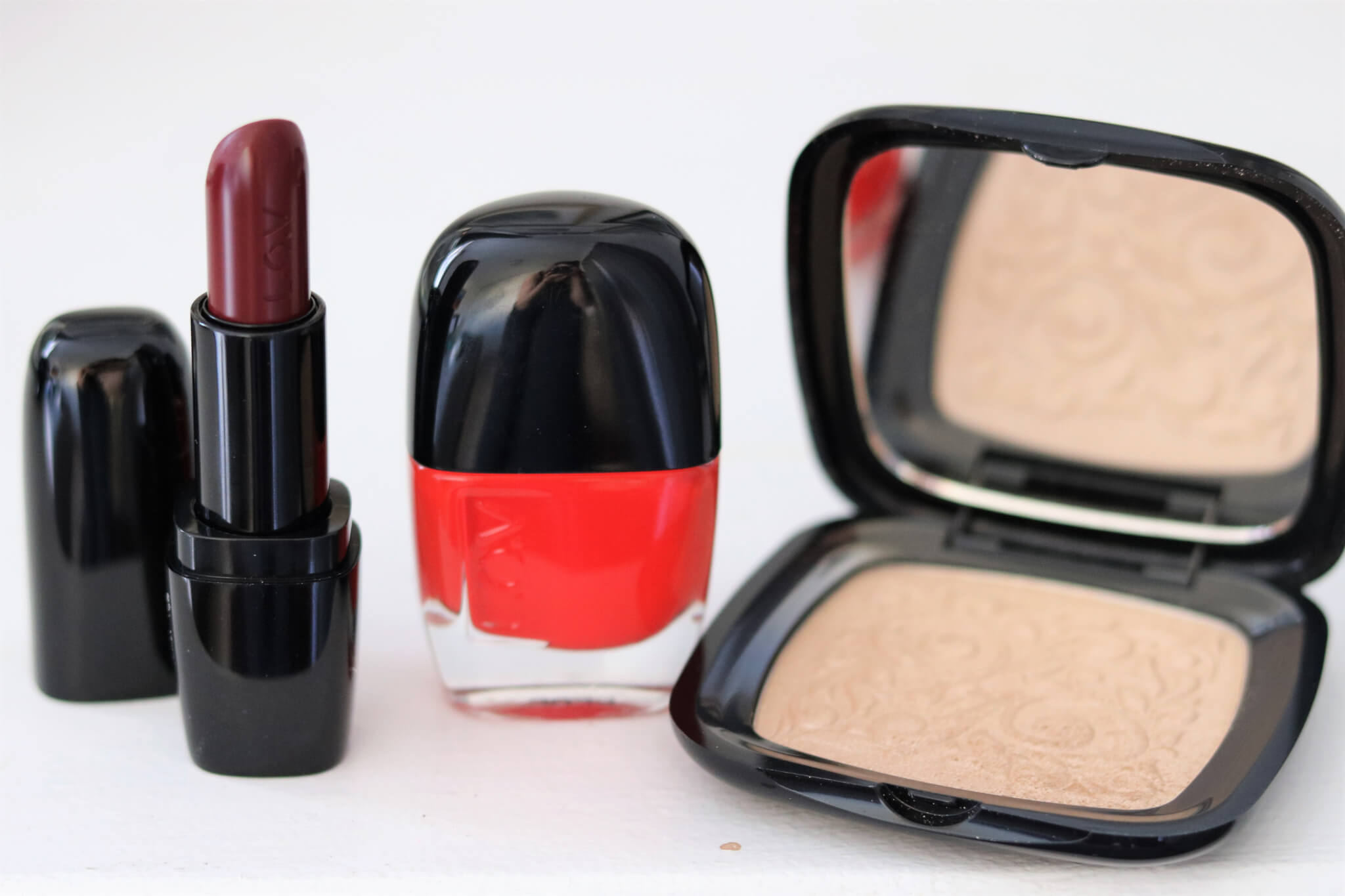 L.O.V Make Review: Highlighter, Lipstick & Nail Lacquer
